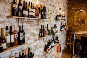 Ruim assortiment wijnen bij Vinifera Shop te Watou